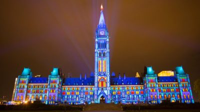 sound-and-light-show-on-parliament-hill-northern-lights-1